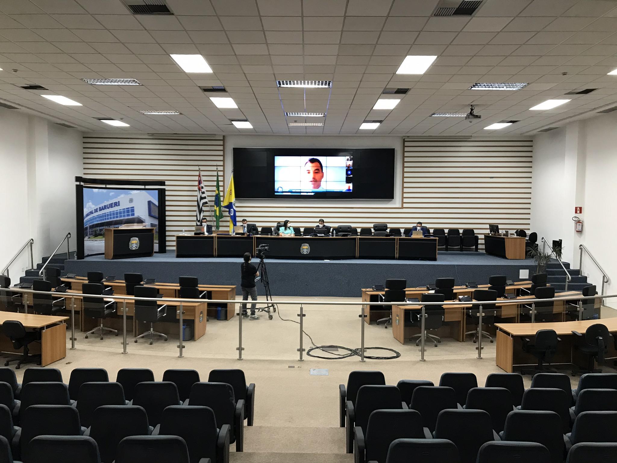 Câmara de Barueri realiza a primeira sessão por videoconferência de sua história