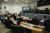 Câmara empossa vereadores, prefeito e vice