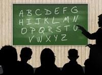 Carlinhos do Açougue sugere programa de alfabetização de idosos