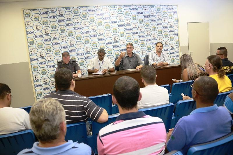 Celso Calegare e autoridades debatem segurança pública