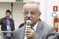 Chico Vilela pede recapeamento asfáltico na Vila São Luiz