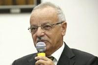 Chico Vilela pede regularização de estacionamento público