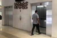 Contratação de manutenção de elevadores fica 10% abaixo do previsto