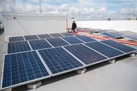 Energia solar e captação de água da chuva são obrigatórias em prédios públicos