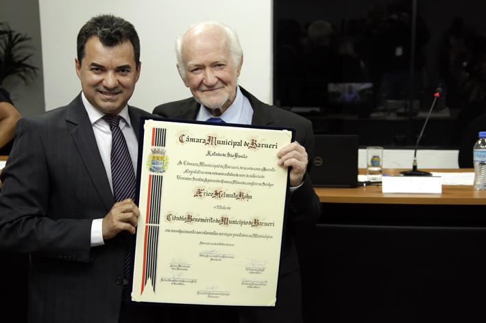Érico Rohn recebe título de cidadão benemérito de Barueri