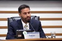 Fabião quer relação de linhas e horários em pontos de ônibus