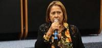 Maria Evangelista pede instalação de elevadores em escola municipal