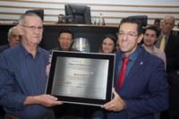 Mario Trimboli recebe homenagem do Poder Legislativo