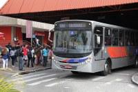 Passageiros de ônibus poderão embarcar e desembarcar fora do ponto após as 22h30