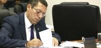 Reinaldo Campos pede criação de Farmácia Veterinária Popular