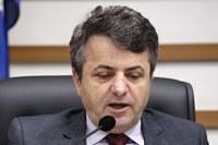 Sérgio Baganha pede reforma em pontes de ferro do Jardim Maria Helena
