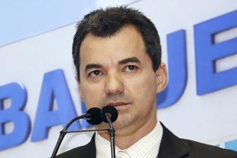 Silvio Macedo sugere criação de Centro de Referência da Juventude