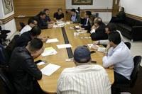 Vereadores recebem representantes da Eletropaulo para apresentar reivindicações