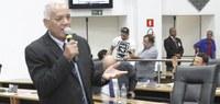 Zé Baiano pede modernização em pontos de ônibus de Barueri